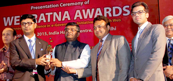 Ministry of External Affairs' website gets Platinum Icon at Web Ratna Awards 2014 for Outstanding Content