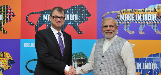 Prime Minister meets Prime Minister Juha Sipila of Finland at Make in India Centre in Mumbai