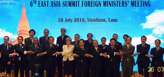 Group photo at the 6th East Asia Summit Foreign Ministers' Meeting in Vientiane
