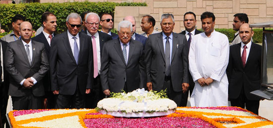 Mahmoud Abbas, President of the State of Palestine lays wreath at Samadhi of Mahatma Gandhi during his four-day State Visit to India