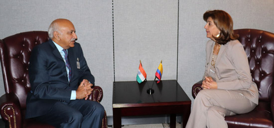 M J Akbar, Minister of State for External Affairs meets María Ángela Holguín Cuéllar, Minister of Foreign Affairs of Colombia on the sidelines of 72nd Session of UNGA in New York