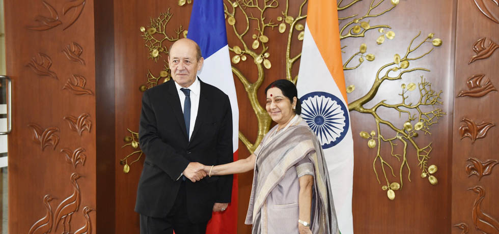 External Affairs Minister meets Jean-Yves Le Drian, Minister for Europe and Foreign Affairs of France in New Delhi