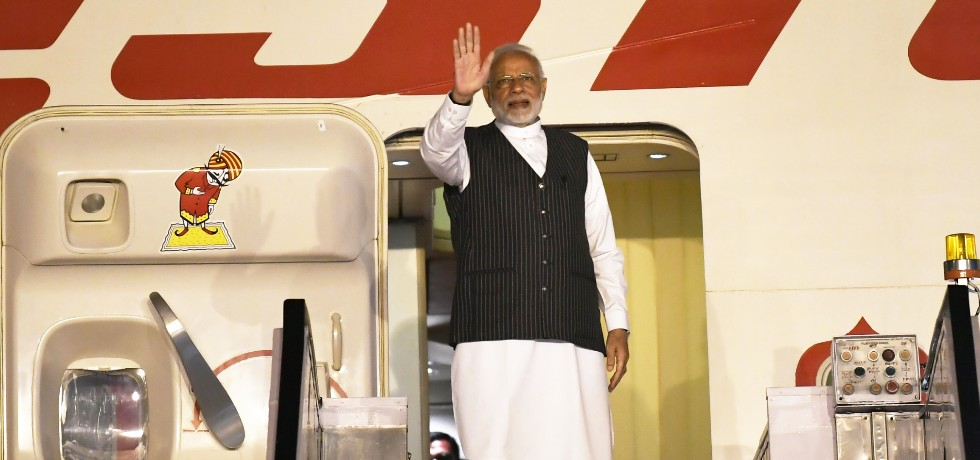 Prime Minister departs for 2-day visit to Singapore