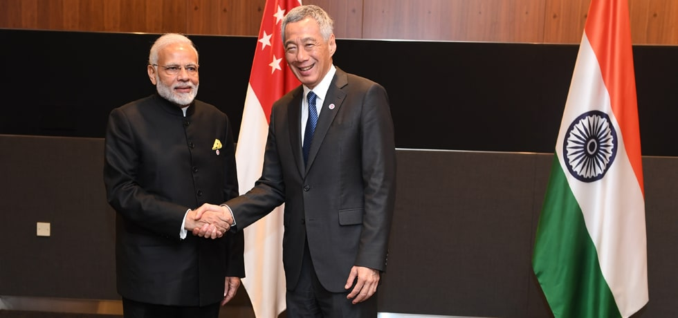 Prime Minister meets Lee Hsien Loong, Prime Minister of Singapore on the sidelines of East Asia Summit