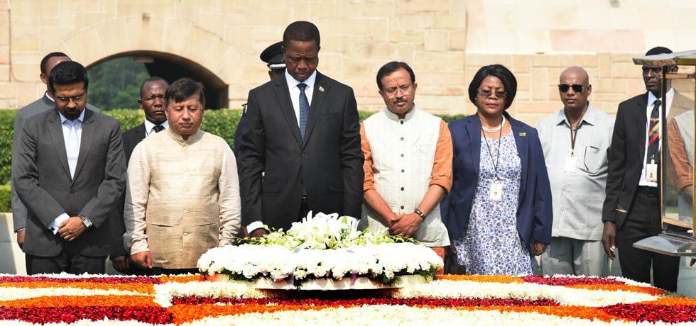 Edgar Chagwa Lungu, President of the Republic of Zambia lays wreath at Rajghat in New Delhi
