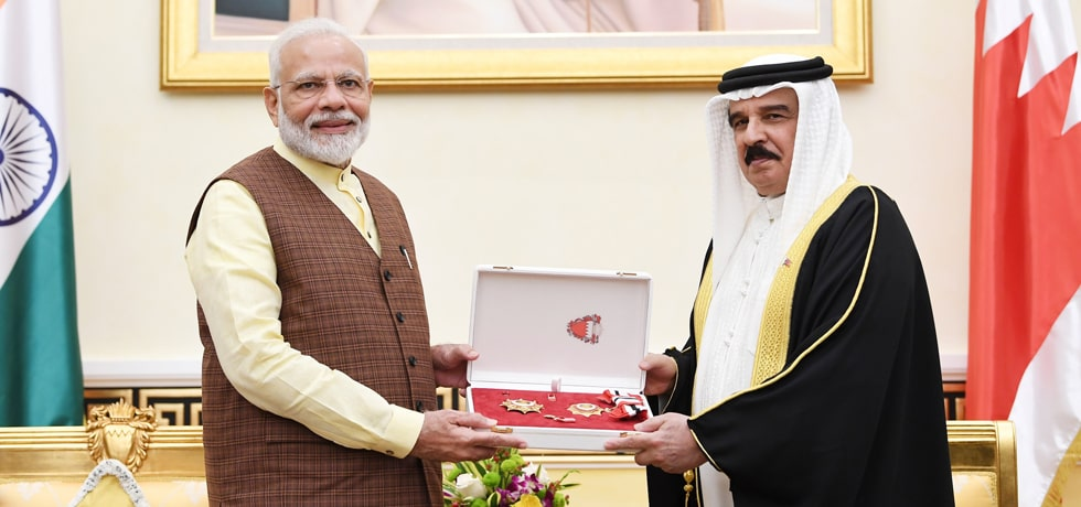 Prime Minister is conferred The King Hamad Order of the Renaissance by the King of Bahrain at Al Gudaibiya Palace in Manama
