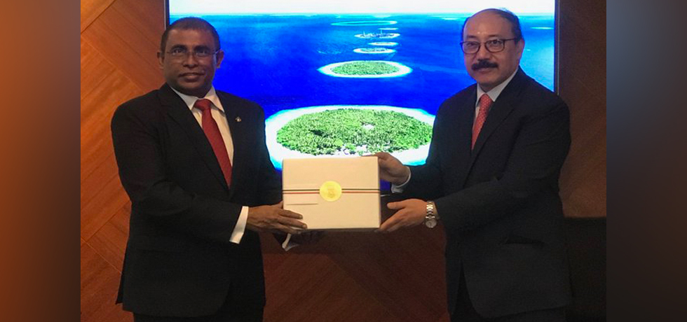 Foreign Secretary calls on Abdulla Mausoom, Tourism Minister of Maldives in Malé