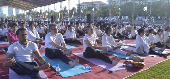 The First International Day of Yoga celebrated in Sri Lanka
