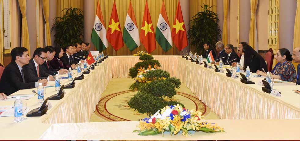 Vice President and Dang Thi Ngoc Thinh, Vice President of Vietnam hold Delegation Level Talks at Presidential Palace in Hanoi, Vietnam