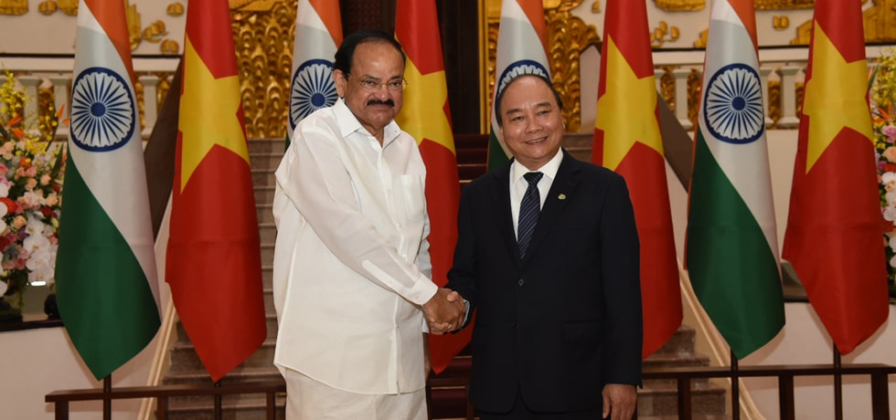 Vice President meets Nguyen Xuan Phuc, Prime Minister of Vietnam in Hanoi