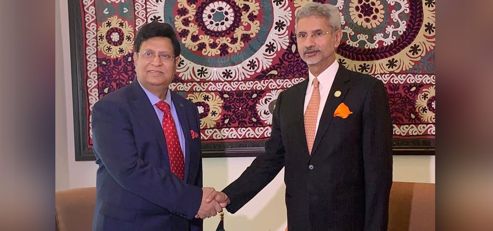 External Affairs Minister meets AK Abdul Momen, Foreign Minister of Bangladesh in Dushanbe, Tajikistan