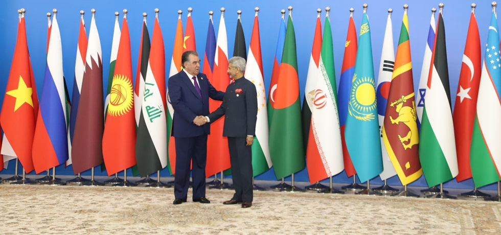 Emomali Rahmon, President of Tajikistan welcomes External Affairs Minister at the start of CICA Summit 2019 in Dushanbe