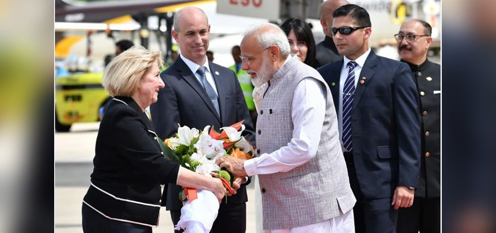 Prime Minister arrives in Houston on first leg of his 7-day visit to USA